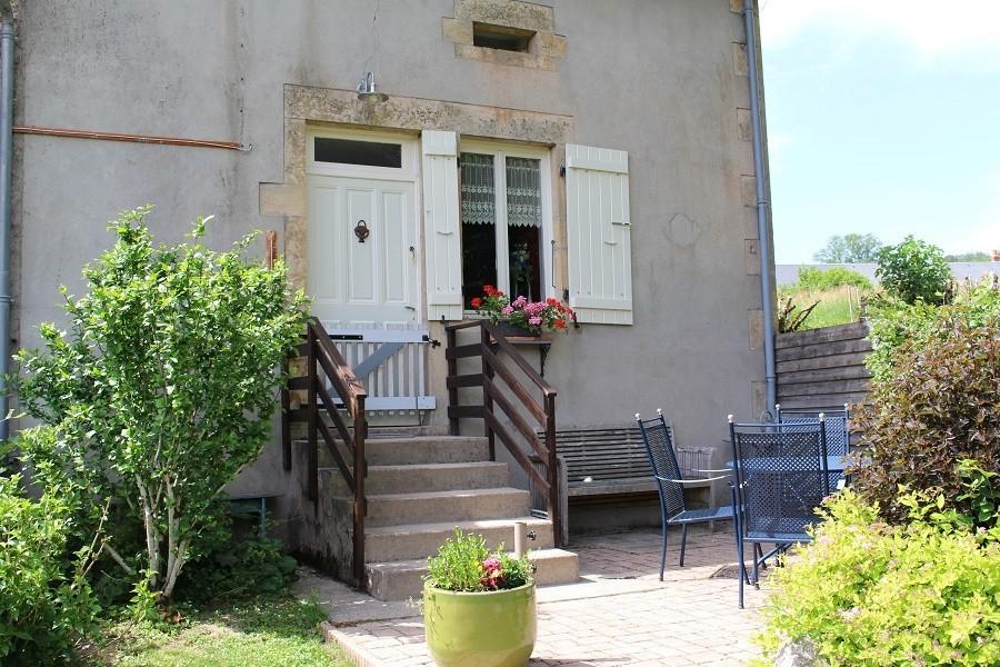 Vakantiehuis Bilok in de Bourgogne, Frankrijk gite buitenkant Vakantiehuis Bilok 30pluskids image gallery