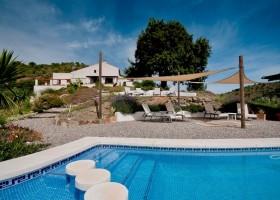 Finca Las Nuevas in Andalusie, Spanje zwembad Finca Las Nuevas 30pluskids