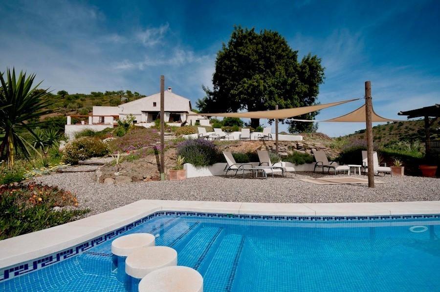 Finca Las Nuevas in Andalusie, Spanje zwembad Finca Las Nuevas 30pluskids image gallery
