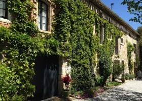 Domaine en Birbes in de Languedoc-Rousillon, Frankrijk aanzicht huis Domaine en Birbès 30pluskids