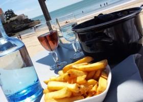 Domaine La Fontaine moules frites aan het strand Domaine la Fontaine 30pluskids