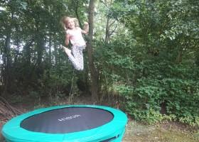 Vakantiehuis Bosbries trampoline 2.jpg Vakantiehuis Bosbries 30pluskids