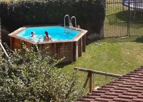 La Paresse en Douce in de Auvergne, Frankrijk zwembad La Paresse en Douce 30pluskids