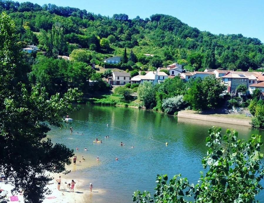 """Domaine Les Gazailles Huis aan de Lot in de Lot-et-Garonne, Frankrijk zwemmen in natuurwater Domaine """"La Gazailles"""" - HUIS aan de LOT 30pluskids image gallery"""
