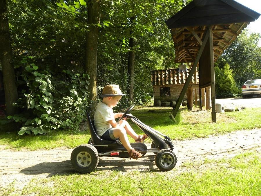 D'Olde Kamp in Drenthe, Nederland kind op skelter d'Olde Kamp recreatie 30pluskids image gallery