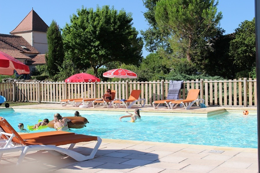 Le Vignal in de Lot-et-Garonne, Frankrijk zwembad Domaine Le Vignal 30pluskids image gallery