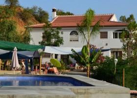 Nido Aguila Blanca huis en zwembad kl.jpg Nido Aguila Blanca 30pluskids