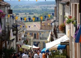 Loft o Village in de Lot et Garonne, Frankrijk Monflanquin middeleeuws feest LO.F.T Ô VILLAGE 30pluskids
