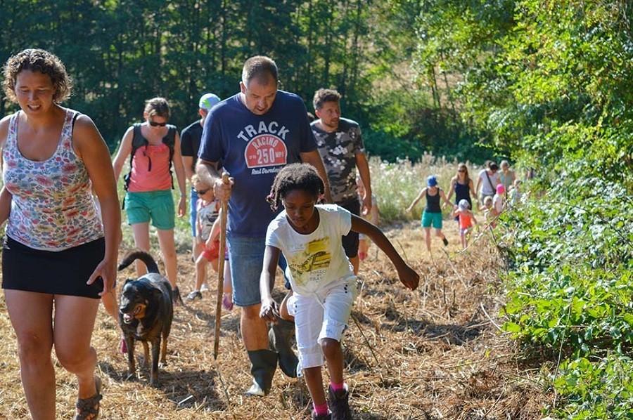 Camping Vallee de Lignac in Lignac, Frankrijk Wandelen met de hond Camping Vallée de Lignac 30pluskids image gallery