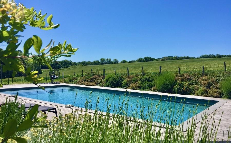 Domaine en Birbes in Laurac, Frankrijk zwembad met veel groen Domaine en Birbès 30pluskids image gallery