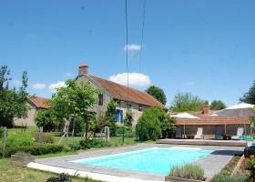 Le Petit Pauliat in de Auvergne, Frankrijk huis en zwembad 1 Le Petit Pauliat 30pluskids