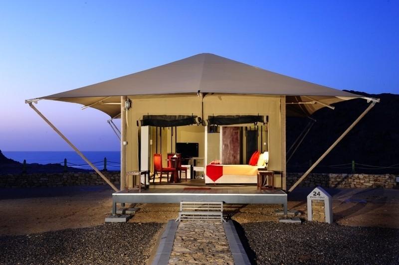 Travelnauts rondreis Oman 01 Kamelen, zandduinen en witte stranden in Oman 30pluskids image gallery