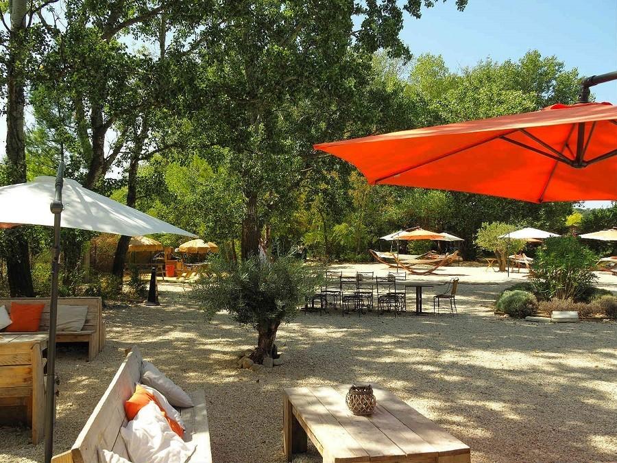 Rendez-vous in Roaix, Frankrijk terras Vakantieverblijf Rendez-Vous 30pluskids image gallery