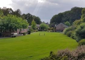 In de Vlinderkes in Arcen, Nederland grasveld In de Vlinderkes 30pluskids