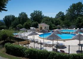 Camping Le Clou in Coux et Bigaroque-Mouzens, Frankrijk zwembad Camping Le Clou 30pluskids