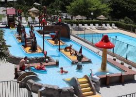 Camping Les Charmilles in de Ardeche, Frankrijk zwembad met speelgedeelte Camping les Charmilles 30pluskids