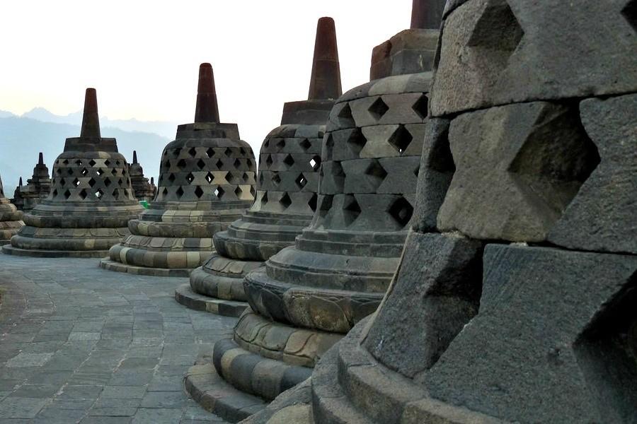 Local Hero Travel indonesie-java-familie.jpg Local Hero Travel in Indonesië 30pluskids image gallery