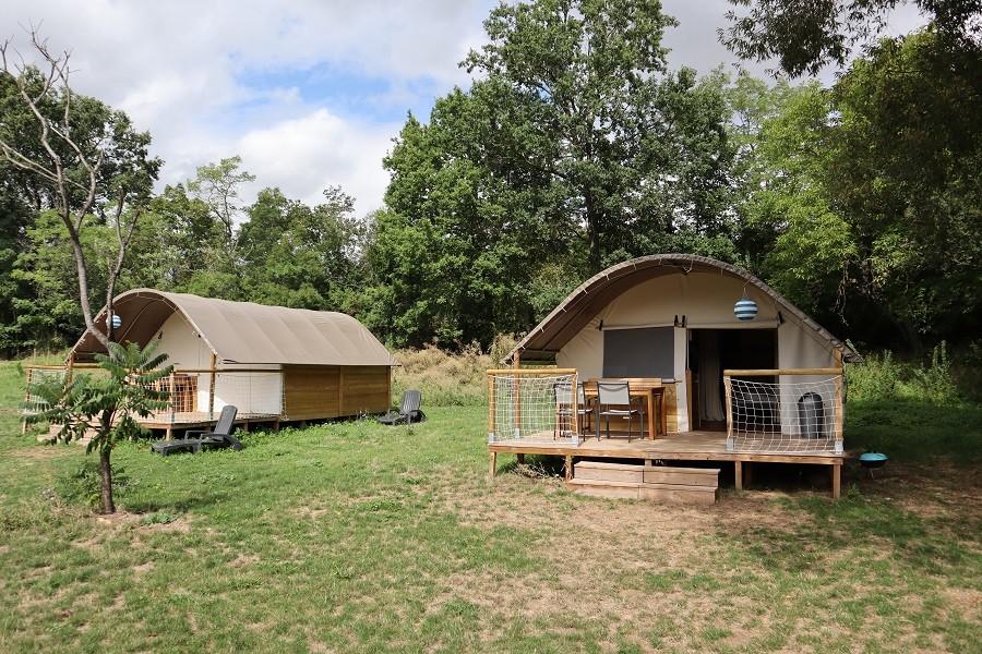 Domaine des Lilas in Saint Germain Lembron, Frankrijk safaritenten Domaine des Lilas 30pluskids image gallery