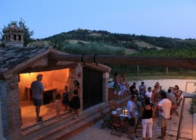 Countryhouse Montesoffio in Le Marche, Italie gezellig eten Country house Montesoffio 30pluskids