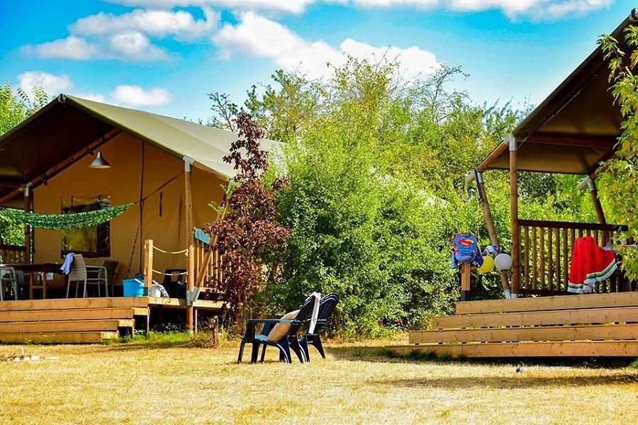 Camping Vallee de Lignac in Lignac, Frankrijk safaritenten Vallée de Lignac Camping Vallée de Lignac 30pluskids image gallery