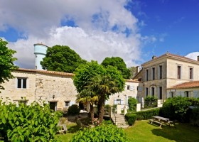 Domaine La Fontaine in de Charente-Maritime, Frankrijk huis en tuin 10 Domaine la Fontaine 30pluskids