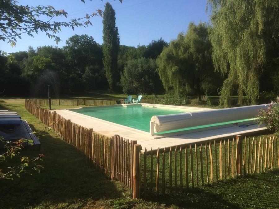 Les Quatre Toits in de Tarn-et-Garonne, Frankrijk omheind zwembad Domaine Les Quatre Toits 30pluskids image gallery