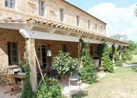 villadellavalle in Le Marche, Italie veranda Villa della Valle 30pluskids