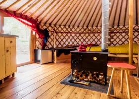 Texel Yurts binnenkant yurt.jpg Texel Yurts 30pluskids