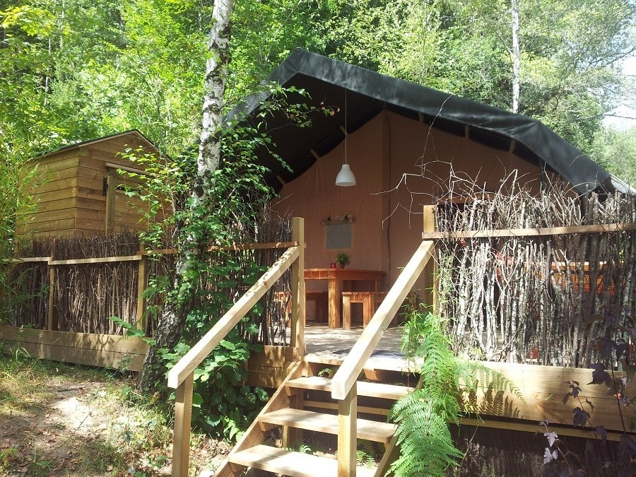 Camping Chantegril in de Correze, Frankrijk safaritent Camping Chantegril 30pluskids image gallery