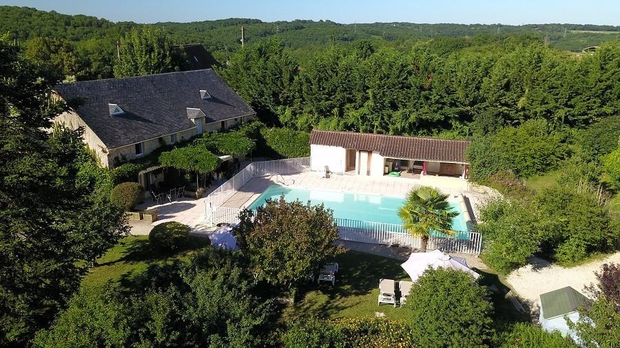 Domaine de Montsalvy in de Lot Frankrijk zwembad en huis Domaine de Montsalvy 30pluskids image gallery