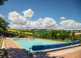 Countryhouse Montesoffio in Le Marche, Italie zonnig zwembad Country house Montesoffio 30pluskids