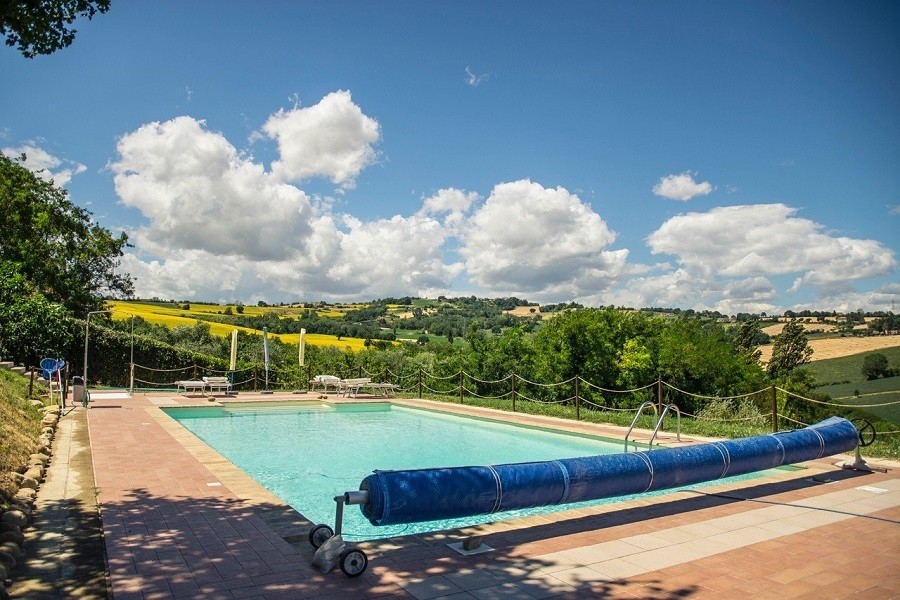 Countryhouse Montesoffio in Le Marche, Italie zonnig zwembad Country house Montesoffio 30pluskids image gallery