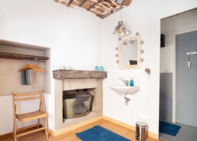 Loft o Village in de Lot e Garonne, Frankrijk badkamer LO.F.T Ô VILLAGE 30pluskids