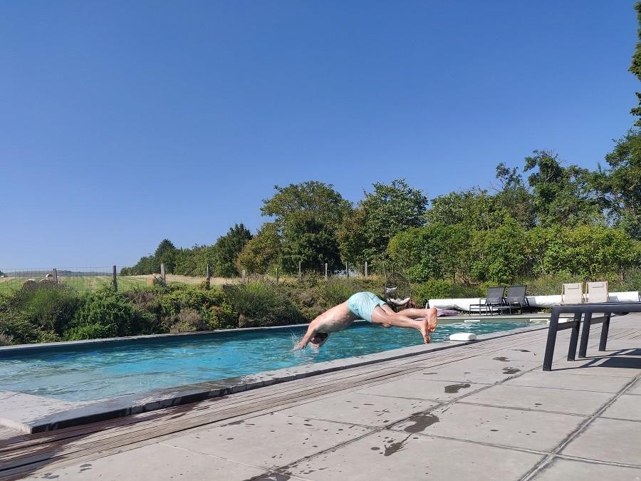 Blog verslag van een francofiel Domaine en Birbes zwembad