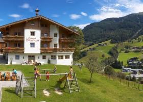ViNEA Family Oostenrijk outdoor verblijf voorzijde ViNEA Family Outdoor Oostenrijk 30pluskids