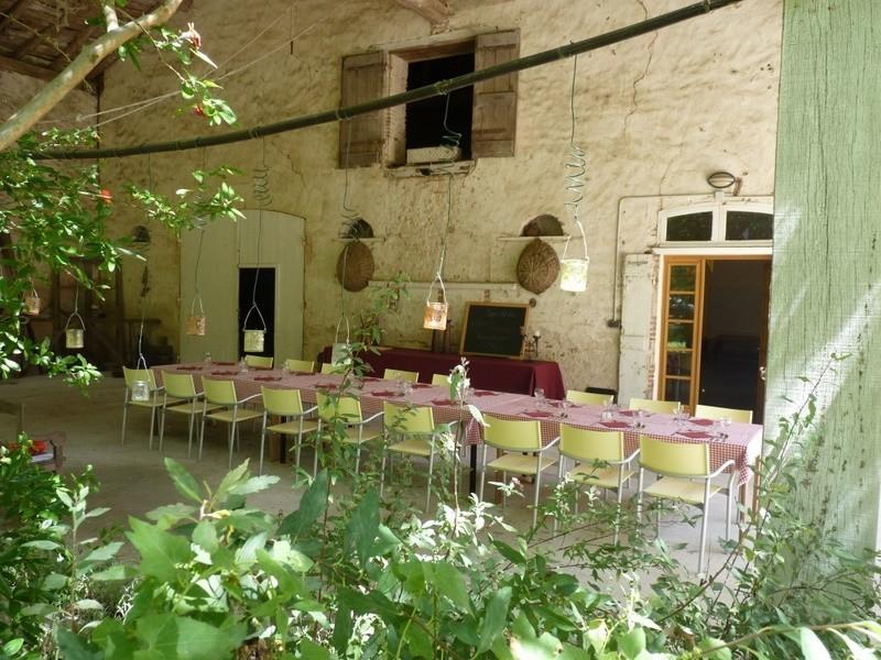 """Huis aan de Lot gedekte tafel - overkapping.jpg Domaine """"La Gazailles"""" - HUIS aan de LOT 30pluskids image gallery"""