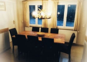 Landhaus Angerhof in Gastein, Oostenrijk eettafel Landhaus Angerhof 30pluskids