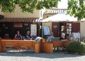 Domaine En Campagne in de Charente-Limousin, Frankrijk loungehoek 5 Domaine en Campagne 30pluskids