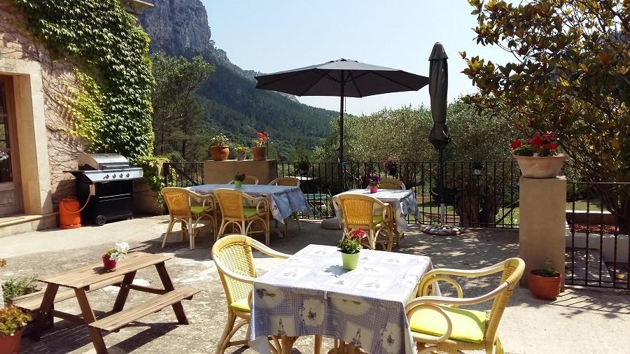 S'Era Vella op Mallorca, Spanje terras met uitzicht S'Era Vella 30pluskids image gallery