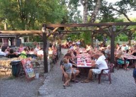 Camping des Arcades restaurant.jpg Camping Des Arcades 30pluskids