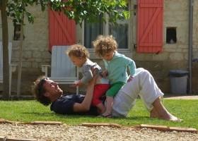 Domaine les Fontaines in de Tourraine, Frankrijk spelen met de kinderen Domaine Les Fontaines 30pluskids