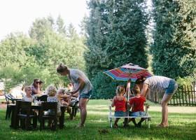 Camping La Nozilliere in de Haute Vienne vlakbij de Dordogne, Frankrijk kinderen eten 2 Camping La Nozillière  30pluskids