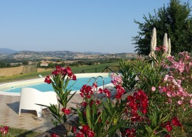 Rustico del Bozzo zwembad met uitzicht kl.jpg Rustico del Bozzo 30pluskids