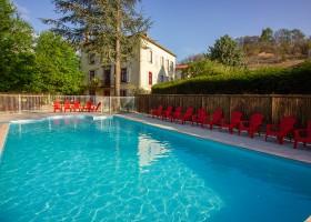 Domaine des Lilas in de Auvergne, Frankrijk zwembad nieuw Domaine des Lilas 30pluskids