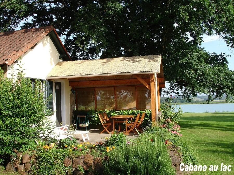 Les Cabanes de Rouffignac in Rouffignac St Cernin de Reilhac, Frankrijk - Gite au Lac terras Les Cabanes de Rouffignac 30pluskids image gallery