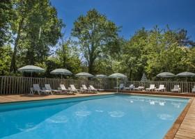 Castelwood piscine.jpg Castelwood Vacances 30pluskids