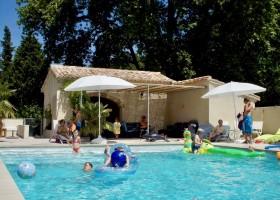Domaine les Platanes zwembad-vol-kids_orig.jpg Domaine Les Platanes 30pluskids