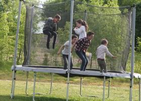 Manoir Hans & Lot in de Tarn-et-Garonne, Frankrijk trampoline 2020 Manoir Hans & Lot 30pluskids