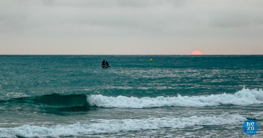 Nexo Surfhouse in Andalusie, Spanje zonsondergang NEXO Surfhouse 30pluskids image gallery