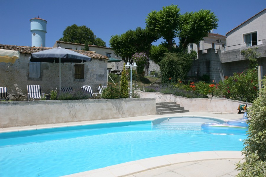 Domaine la Fontaine zwembad klein.jpg Domaine la Fontaine 30pluskids image gallery